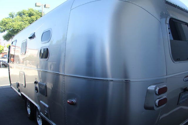 used-2013-airstream-23fb_internatinal-signature-12244-15708439-13-640