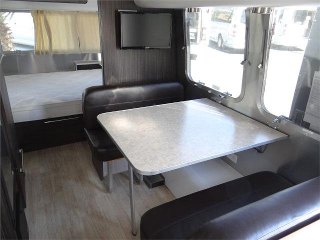 used-2013-airstream-23fb_internatinal-signature-12244-15708439-28-640