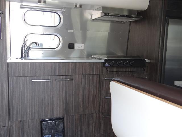 used-2013-airstream-23fb_internatinal-signature-12244-15708439-4-640