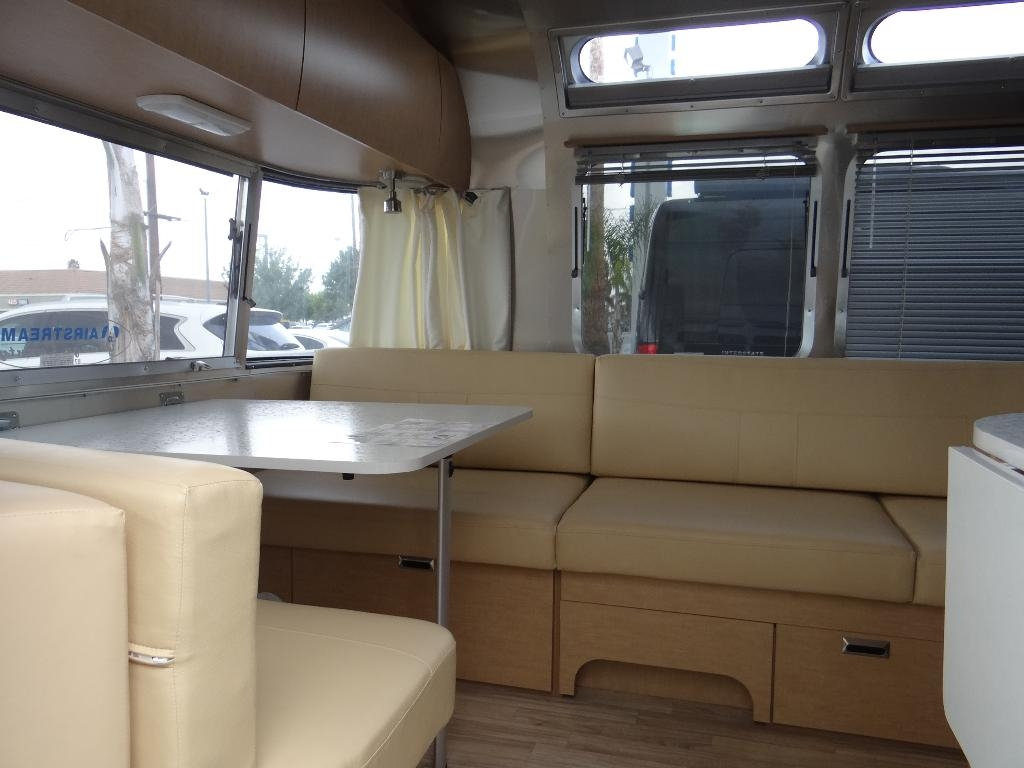 used-2014-airstream-25fb_flying_cloud_-_ave_ave_ave-11857-15753029-7-1024